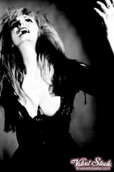 svelvet-steele-black-white-opera-07