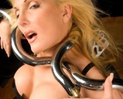 velvetsteele_latex_goggles_gag_blindfold-11