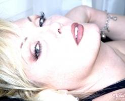 velvetsteele_sexy_slit_skirt_chaise_recline-3