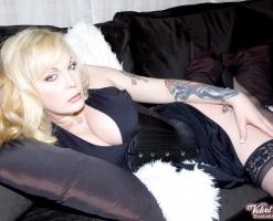velvetsteele_sexy_slit_skirt_chaise_recline-13