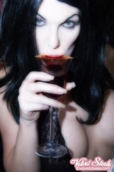 velvet-steele-vampire-10