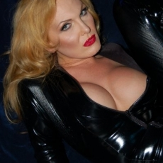 velvet-steele-black-PVC-catsuit-01