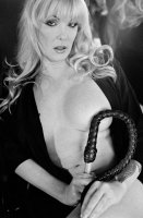 velvet-steele-black-white-gamour-08